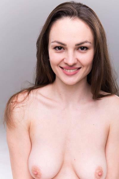 Model Darya Sweet in Casting