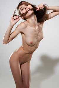 Model Leona Mia in Skinny Girl