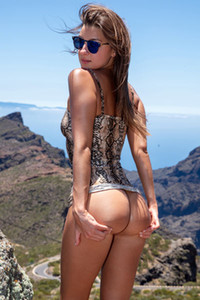 Model Maria in Atlantic Cliffs