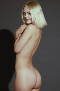 Model Isabelle Star in New Star